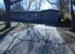 Foreclosed Home in Topeka 66611 SW CLONTARF ST - Property ID: 3891871250