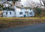 Foreclosed Home in Hamden 06518 HILLFIELD RD - Property ID: 3892255805