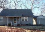 Foreclosed Home in Topeka 66604 SW MACVICAR AVE - Property ID: 3893683594