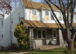 Foreclosed Home in Upper Darby 19082 PARKVIEW RD - Property ID: 3897734413