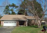 Foreclosed Home in Elizabeth City 27909 DAN AND MARY ST - Property ID: 3910338428