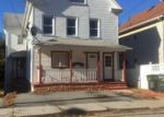 Foreclosed Home in New London 06320 CONNECTICUT AVE - Property ID: 3914360344