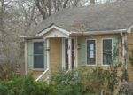 Foreclosed Home in Mastic 11950 RUTLAND RD - Property ID: 3917900939