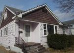 Foreclosed Home in Clinton 52732 1ST AVE - Property ID: 3920490223