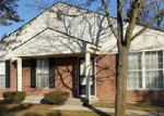 Foreclosed Home in Walled Lake 48390 DOVER HL N - Property ID: 3931084829