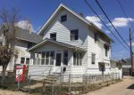 Foreclosed Home in Cedar Rapids 52403 18TH ST SE - Property ID: 3934088446