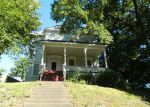 Foreclosed Home in Davenport 52803 ONEIDA AVE - Property ID: 3942097680