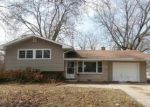 Foreclosed Home in Aurora 60506 N EVANSLAWN AVE - Property ID: 3946523850