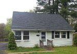 Foreclosed Home in Meriden 06451 GLEN HILLS RD - Property ID: 3946679314