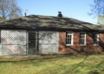 Foreclosed Home in Memphis 38128 PIKES PEAK AVE - Property ID: 3949262493