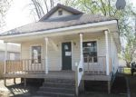 Foreclosed Home in Wood River 62095 HARNETT AVE - Property ID: 3949967185