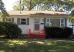 Foreclosed Home in Waterloo 50702 2ND ST - Property ID: 3956130354