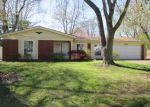 Foreclosed Home in Belleville 62221 BUNKER HILL RD - Property ID: 3956731252