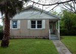 Foreclosed Home in New Orleans 70114 SHIRLEY DR - Property ID: 3963898265