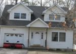 Foreclosed Home in Shirley 11967 BIRCH HOLLOW DR - Property ID: 3964338432