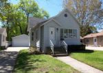 Foreclosed Home in Green Bay 54303 BOND ST - Property ID: 3964525454