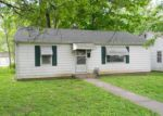 Foreclosed Home in Pinckneyville 62274 N BEAUCOUP ST - Property ID: 3965014674
