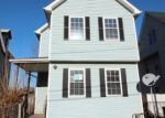 Foreclosed Home in Waterbury 06704 LOCUST ST - Property ID: 3965468400