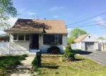 Foreclosed Home in Central Islip 11722 E LOCUST ST - Property ID: 3965649285