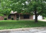Foreclosed Home in Belleville 62221 FORT HENRY RD - Property ID: 3968938926