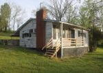 Foreclosed Home in Paint Lick 40461 GILLESPIE PIKE - Property ID: 3969060676
