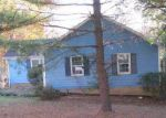Foreclosed Home in Charlotte 28214 GLENMOOR DR - Property ID: 3969334400