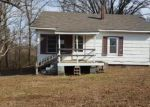 Foreclosed Home in Jackson 38305 BASCOM RD - Property ID: 3969923928
