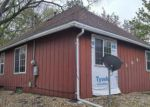 Foreclosed Home in Waterloo 50703 LONGFELLOW AVE - Property ID: 3970940903