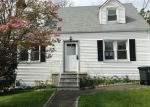 Foreclosed Home in Stamford 06902 ROBIN ST - Property ID: 3978405725
