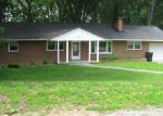 Foreclosed Home in Vinton 24179 MAPLEWOOD DR - Property ID: 3978446452