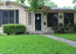 Foreclosed Home in Victoria 77901 E PARK AVE - Property ID: 3978665886