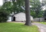 Foreclosed Home in Clute 77531 CRESTWOOD ST - Property ID: 3978749982