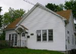 Foreclosed Home in Mount Vernon 62864 OAKLAND AVE - Property ID: 3978789385