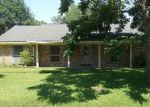 Foreclosed Home in Dickinson 77539 LONGSHADOW DR - Property ID: 3980281565