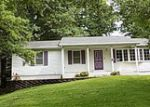 Foreclosed Home in Carlinville 62626 GREENRIDGE DR - Property ID: 3980694575