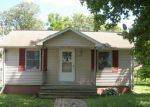 Foreclosed Home in Lincoln 62656 N KANKAKEE ST - Property ID: 3980753708