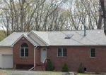 Foreclosed Home in Bushkill 18324 SPRING CT - Property ID: 3982514798