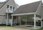 Foreclosed Home in Hammond 70401 GREEN ACRES DR - Property ID: 3983328999