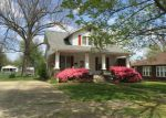 Foreclosed Home in Morganfield 42437 W MCELROY ST - Property ID: 3983349120