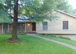 Foreclosed Home in Blue Springs 64015 SW PARIS DR - Property ID: 3986513498
