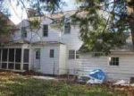 Foreclosed Home in Clinton 52732 ELMHURST CT - Property ID: 3987082877