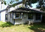 Foreclosed Home in Lake Jackson 77566 COTTON DR - Property ID: 3989009511