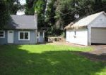 Foreclosed Home in Gladstone 97027 DICKERSON LN - Property ID: 3989322662