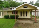 Foreclosed Home in Shreveport 71107 SEMINOLE DR - Property ID: 3990219183