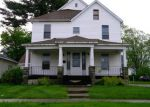 Foreclosed Home in Effingham 62401 S 5TH ST - Property ID: 3990323430