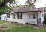 Foreclosed Home in Somerset 42501 COTTER AVE - Property ID: 3991269905