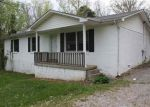 Foreclosed Home in Bowling Green 42101 MASSEY RD - Property ID: 3991286987