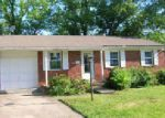 Foreclosed Home in Florence 41042 BERKLEY DR - Property ID: 3991300551