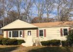 Foreclosed Home in Hamden 06514 MUELLER DR - Property ID: 3992098541