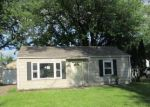 Foreclosed Home in Davenport 52806 CEDAR ST - Property ID: 3992151986
